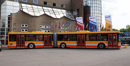 Автобус ЛиАЗ-6213, вид сбоку