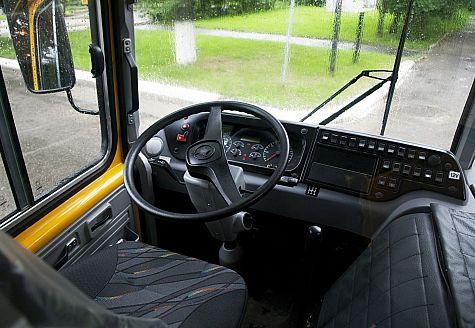Автобус ПАЗ-3206 – Место водителя