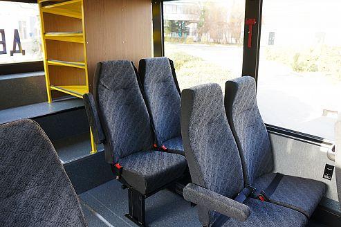 Автобус КАВЗ-4235/4238 школьный, вид полок для багажа